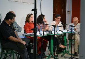 Tremenda aventura resultó el panel Último jueves de la Revista Temas, con el título: Navegar con su cabeza: cultura, redes y movimientos sociales en Internet. (Gracias a Beatriz Palo, por la foto)
