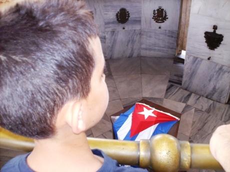 En el 2009 pude llevar a Javier a Santiago de Cuba al mausoleo que guarda los restos de José Martí