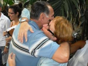 Abrazos de emoción como si le conociéramos de toda la vida...