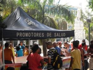 """Unos días antes, en pleno Parque Central de La Habana, donde mismo habitualmente funciona la más famosa peña deportiva espontánea del país, hubo una """"esquina caliente"""" sobre sexualidades diferentes, como parte de las actividades comunitarias de la Jornada."""