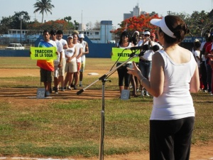 Mariela Castro Espín y Alberto Juantorena inauguraron el Primer Festival Deportivo contra la Homofobia, en presencia del presidente del INDER.