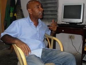 Alberto Abreu, intelectual y bloguero comprometido con el activismo contra la discriminación racial y por orientación sexual.