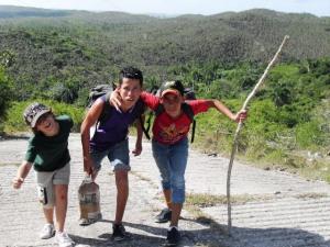 Pedro Pablo, Caleb y Javier durante el ascenso