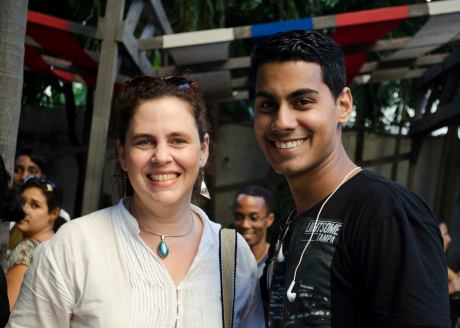 La profesora Milena Recio, editora de Progreso Semanal, y Darío, otro hijo mío postizo