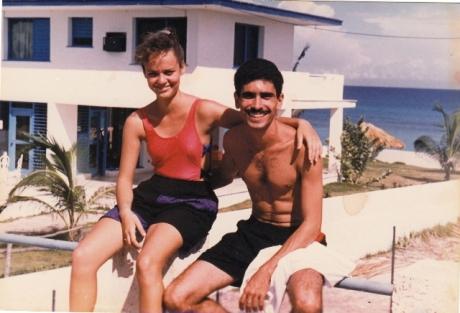 Hace 19 años, en Varadero. Luego de convertirnos en los recién casados que pasaron su primera noche de luna de miel en la arena...