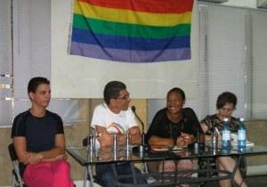 Paneles de activistas. Pabellón Cuba, 10 de mayo.